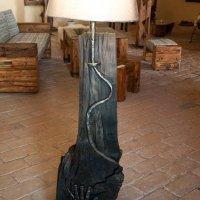 lampa-s-rukou