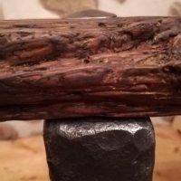 Stolek ze starého dřeva