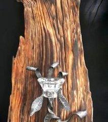 Svícen na zeď ze starého dřeva