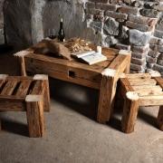 Tischlein und Stühlen